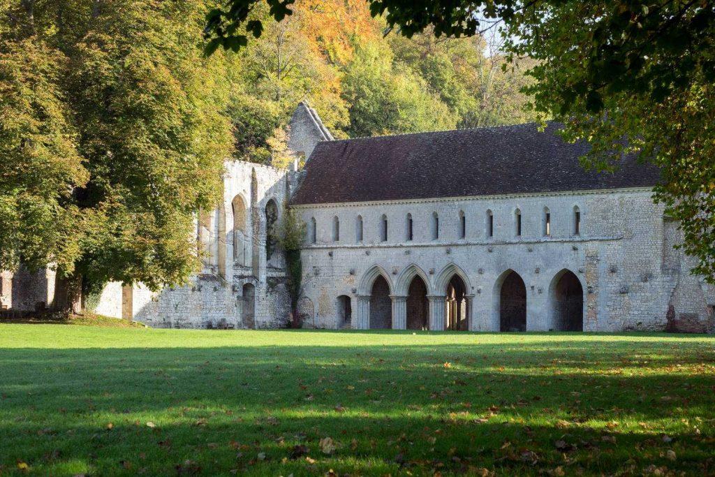 © Abbaye Notre-Dame de Fontaine-Guerard