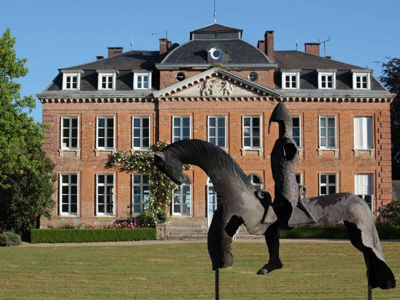 w-1900-h-1900-zc-5-chateau-de-bois-guilbert-et-sculpture-guillaume-le-conquerant-par-j-800x600-2.jpg