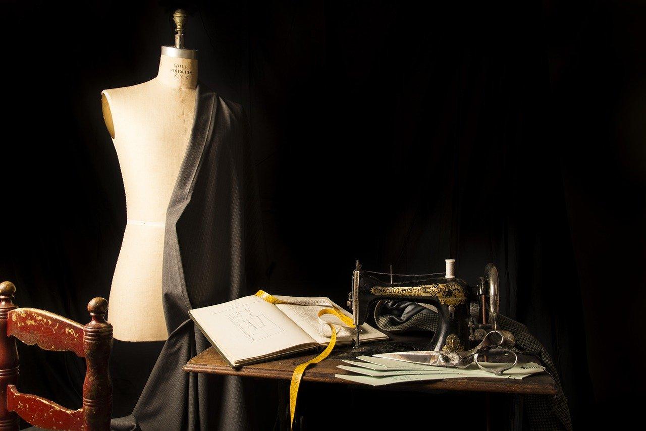 tailoring-2575930-1280.jpg